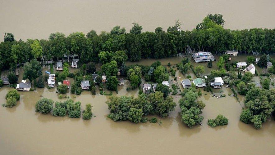 Photo fournie par la police hongroise montrant le Danube en crue près de Budapest, le 4 juin 2013