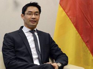 """Taxe sur le solaire: Bruxelles fait une """"grave erreur"""", selon Berlin"""