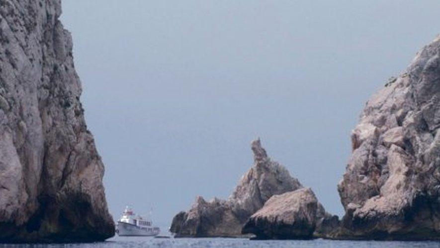 L'Estartit Les sauvages Îles Medes dressent au loin leur silhouette escarpée