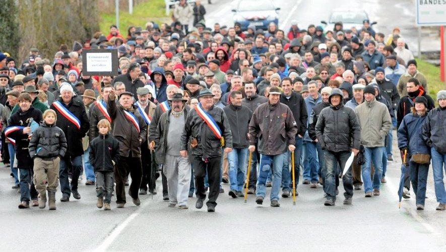Samedi 1er  mars, les élus du Pays et la population manifestaient à Baraqueville.