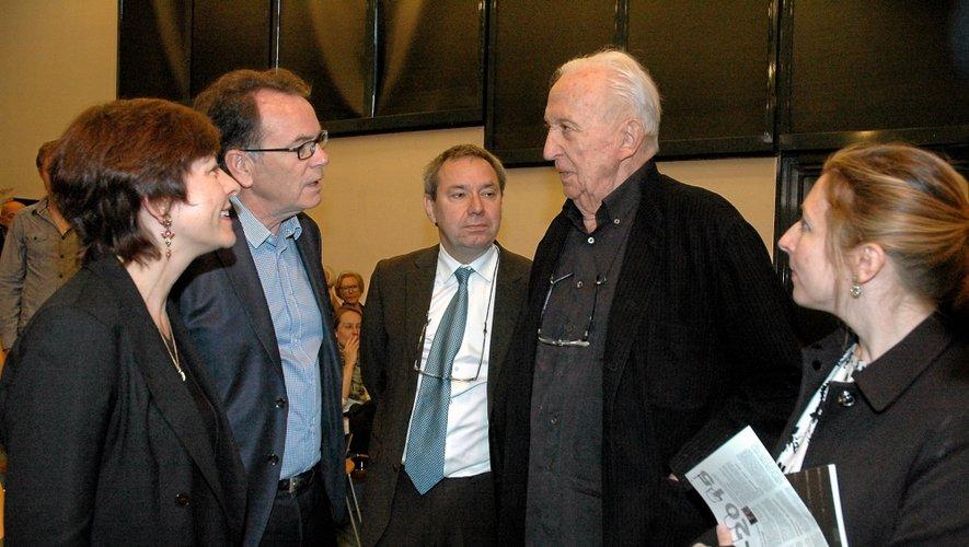 Pierre Soulages aux côtés de Carole Delga, Christian Teyssèdre, Benoît Decron et Estelle Pietrzyk.