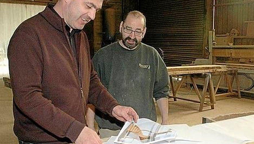 Dans l'entreprise, tout le monde sait dessiner un escalier. Et chaque ouvrier est responsable de sa réalisation. Du choix du bois jusqu'à la pose finale.