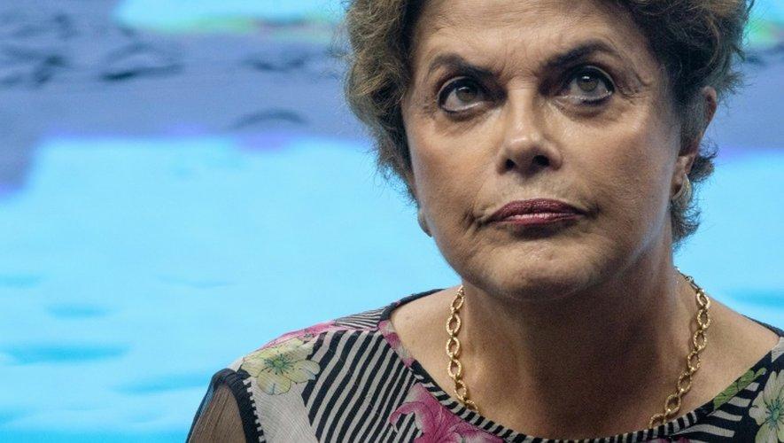 Brésil: la présidente Rousseff perd du terrain avant le vote sur sa destitution