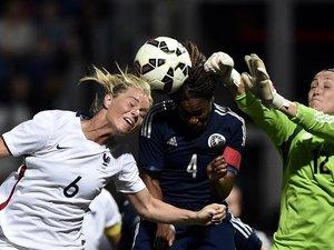 Mondial: le foot s'accorde au féminin pour oublier les affaires