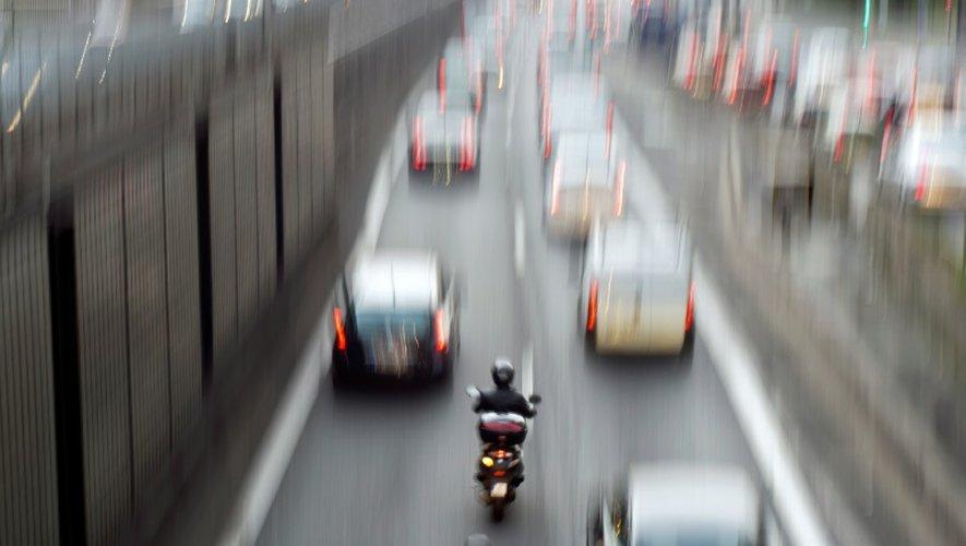 Sécurité routière: les motards manifestent contre le futur contrôle technique
