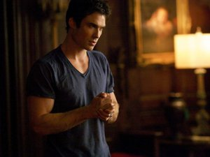 VIDEO - Ian Somerhalder Héros Azzaro