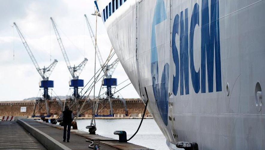 SNCM: les grévistes bloquent l'accostage d'un bateau de croisière à Marseille
