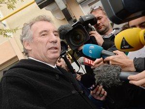 Bayrou enlève la mairie de Pau au PS selon son entourage #mun64000