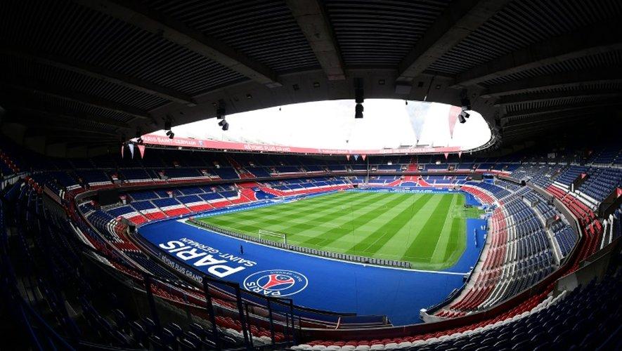 Les clubs sportifs souhaitent l'autorisation de vente d'alcool dans les stades, ce qui représenterait un revenu important, dont bénéficient déjà d'autres clubs européens.
