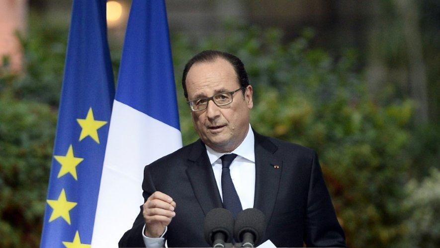 Le président François Hollande s'adresse à la communauté française au Caire, le 18 avril 2016