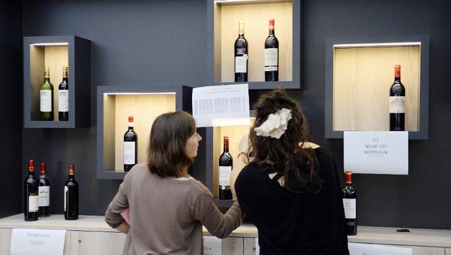 Hollande inaugure Vinexpo, plus grand salon des vins et spiritueux