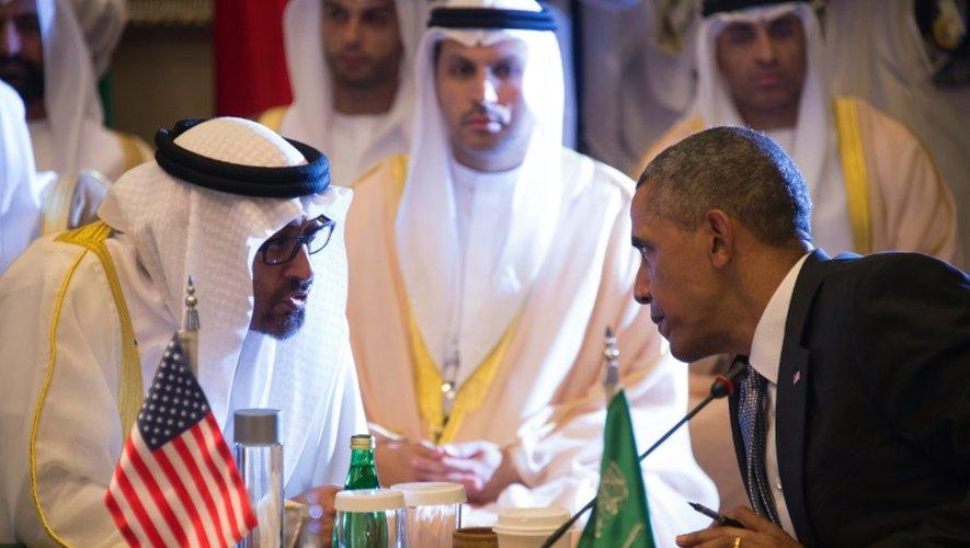 Le président américain Barack Obama et le cheikh Mohammed bin Zayed al-Nahyan, prince d'Abou Dhabi, à Ryad, le 21 avril 2016