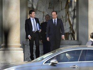 Hollande réunit le premier conseil des ministres du gouvernement Valls