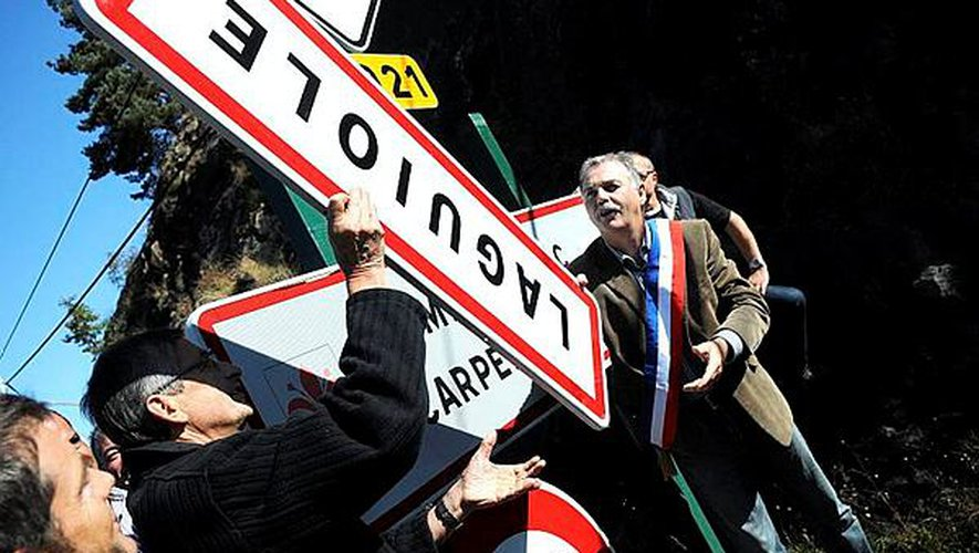 En 2012 déjà, les élus débaptisaient la commune symboliquement.