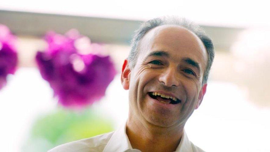 """Le président de l'UMP, Jean-François Copé, à la """"Fête de la Violette"""", à La Ferté-Imbault le 6 juillet 2013"""