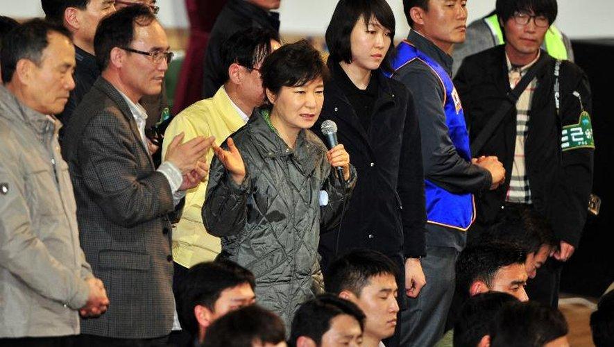 """Naufrage du ferry: la présidente de Corée compare les actes de l'équipage à """"un meurtre"""""""