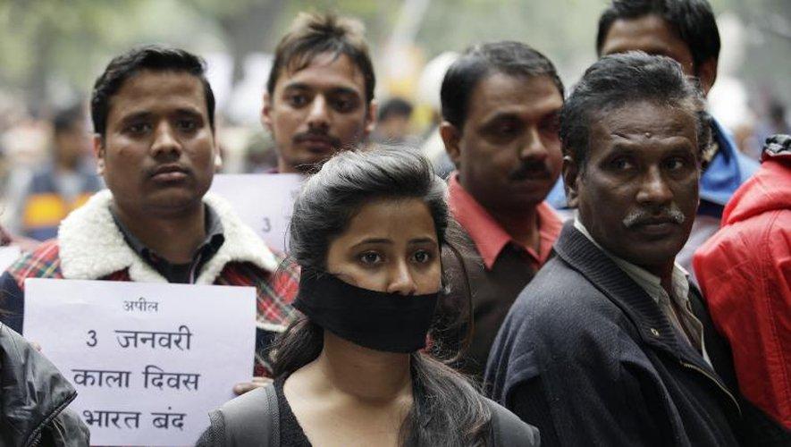 Viol collectif en Inde: report du premier verdict