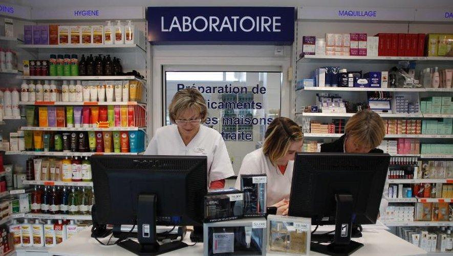 """La pharmacie """"La Grâce de Dieu"""" qui vend des médicaments sur internet, le 16 novembre 2012 à Caen"""