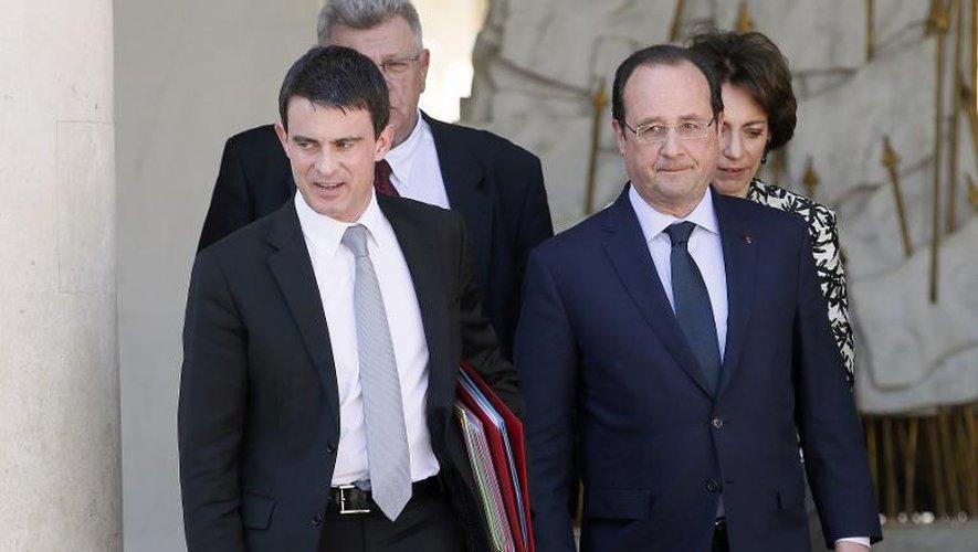 Hollande et Valls vont défendre leurs choix économiques avant un vote à haut risque