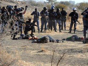 Tuerie des mineurs de Marikana en 2012: la commission d'enquête charge la police