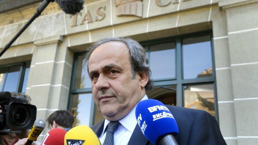 Michel Platini quitte le Tribunal arbitral du sport (TAS) à Lausanne le 29 avril 2016