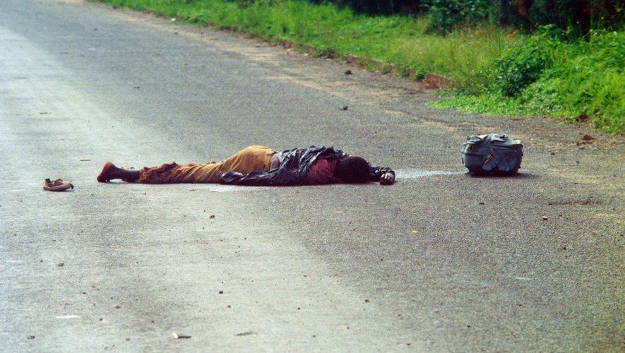 Photo prise le 12 mai 1994 d'une victime des massacres inter-ethniques au Rwanda