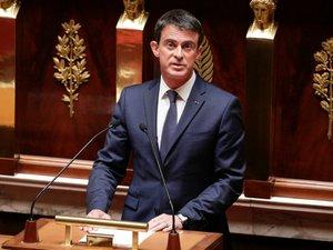 """Motion de censure: """"Je ne laisserai pas détruire la gauche de gouvernement"""", dit Valls aux frondeurs"""