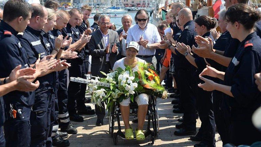 Nathalie Benoit à son arrivée dans le Vieux Port de Marseille, le 23 juillet 2013