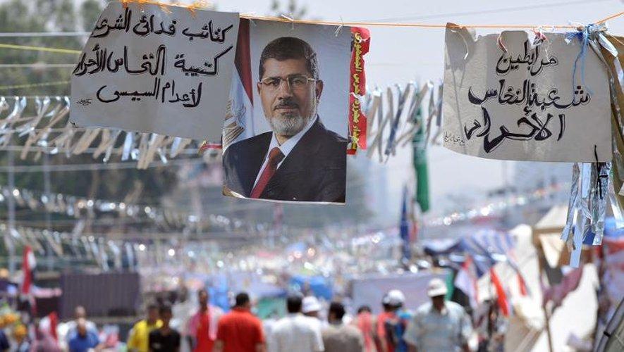 Un portrait de Mohamed Morsi le 23 juillet 2013 au Caire