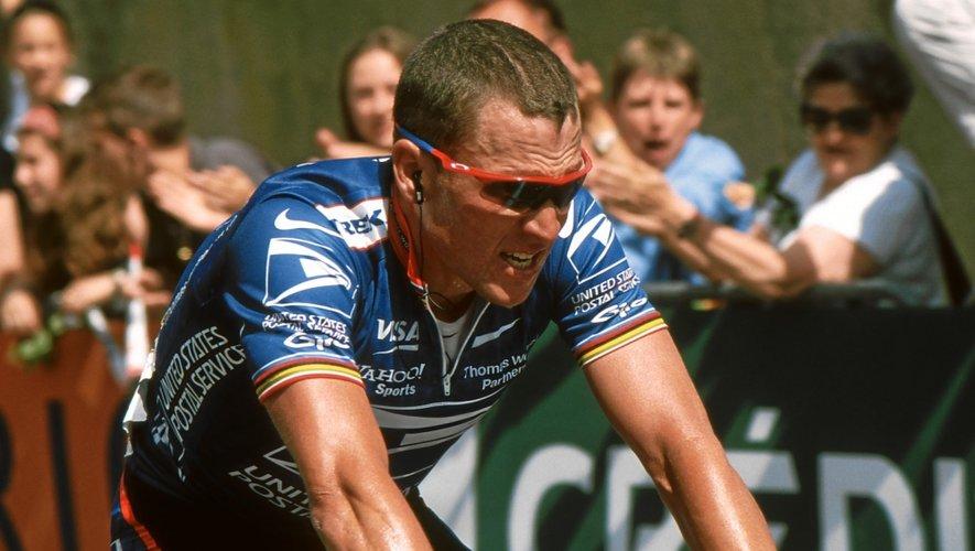 Lance Armstrong va courir deux étapes du Tour de France, un jour avant les coureurs, pour l'association Cure Leukemia qui oeuvre en faveur de la recherche contre la leucémie.