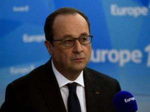 """Violences: Hollande a apporté un """"soutien très clair"""" aux policiers"""