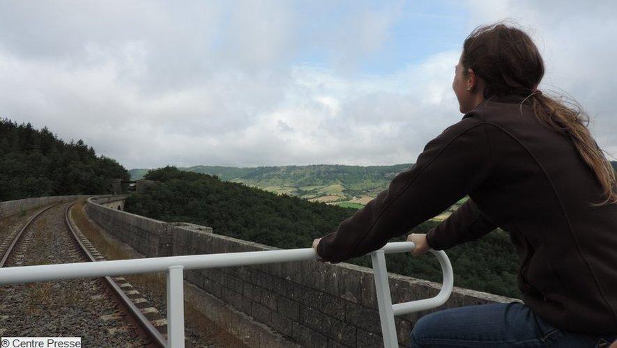 Une vue originale sur le superbe panorama du Sud-Aveyron.