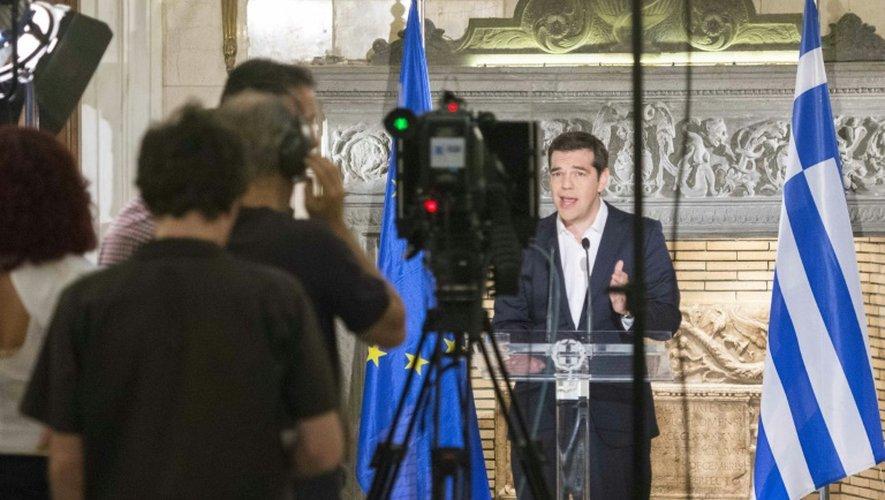 Le Premier ministre grec Alexis Tsipras s'adresse à la nation, à la télévision, le 5 juillet 2015 au soir