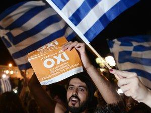 Grèce: les dirigeants de l'UE engagent d'intenses consultations