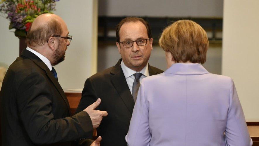Le président du Parlement européen Martin Schulz, le président François Hollande et la chancelière Angela Merel le 23 avril 2015 à Bruxelles