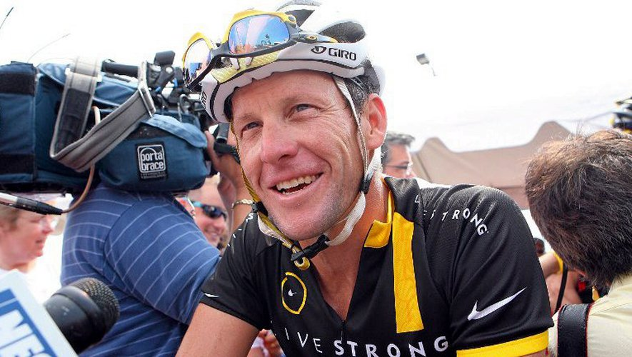 Le combat d'Armstrong contre le cancer lui vaut des admirateurs.