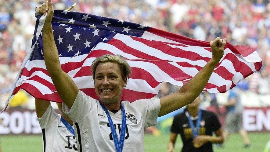 L'avant américaine Abby Wambach jubile après que son équipe eut vaincu le Japon en finale de la Coupe du monde de football à Vancouver, le 5 juillet 2015