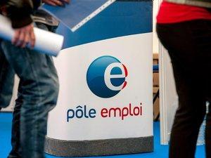 Le chômage repart à la hausse, nouveau coup dur pour l'exécutif après les européennes