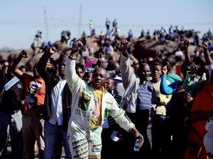 Afrique du Sud: l'exploitant de Marikana demande pardon pour les mineurs tués