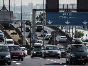 Départs en vacances: fortes perturbations sur les routes avec 300 km de bouchons