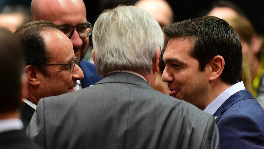 Le président français François Hollande, le président de la Commission européenne Jean-Claude Juncker et le Premier ministre grec Alexix Tsipras le 12 juillet 2015 à Bruxelles