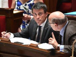 """Valls: un """"Grexit"""" serait un """"désastre"""" pour la Grèce et la zone euro"""
