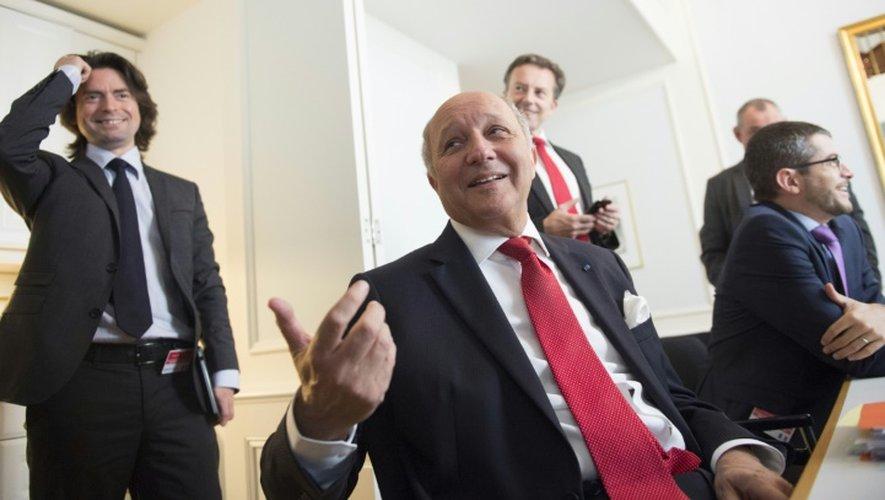 Le ministre français des Affaires étrangères Laurent Fabius s'adresse aux journalistes depuis l'hôtel viennois Palais Cobourg, le 14 juillet 2015