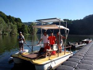 Le Solarb'Olt, nouveau venu sur le lac de Castelnau-Lassouts