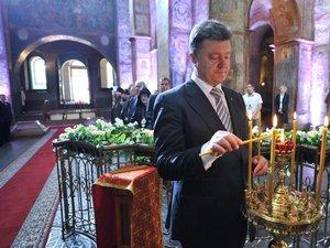 Ukraine: discussions sur le gaz avec la Russie, Porochenko veut pacifier l'est