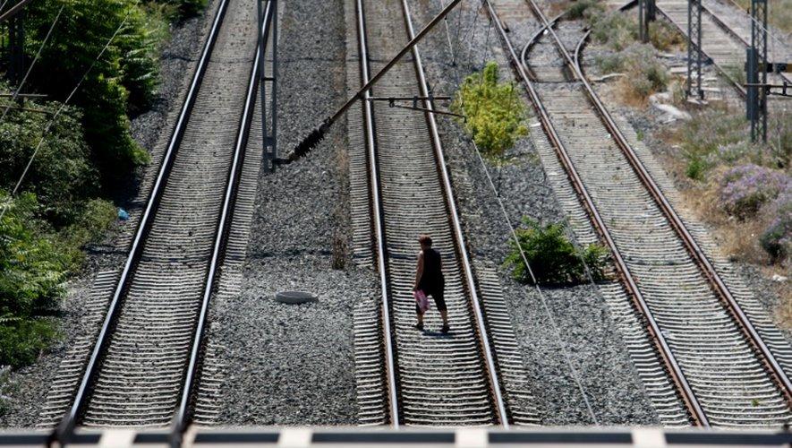 Grèce: le secteur public au ralenti en raison d'une grève de 24h à l'appel du syndicat des fonctionnaires, qui s'oppose au plan des créanciers