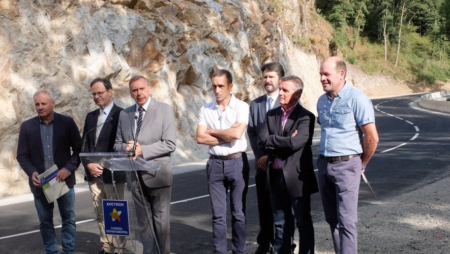 Hier matin, entre le plateau de Mergals et Cassagnes-Bégonhès, lors de l'inauguration avant l'ouverture de cette dernière portion de route à la circulation.
