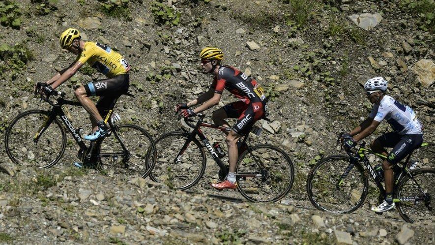 Le Britannique Christopher Froome, maillot jaune, devant l'Américain Tejay Van Garderen et le Colombien Nairo Quintana lors de la 10e étape du Tour de France, le 14 juillet 2015 à La Pierre-Saint-Martin, Pyrénées-Atlantiques