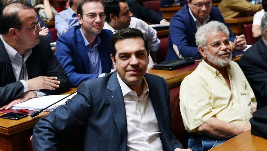 Le Premier ministre grec Alexis Tsipras assiste à la réunion des députés de sa formation, le Syriza, le 15 juillet 2015 à Athènes