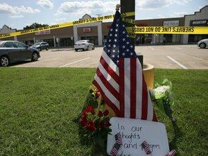 """Etats-Unis: 4 militaires abattus par un tireur solitaire, un procureur parle de """"terrorisme intérieur"""""""